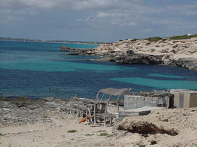 Shelters at Cala del Ram - Formentera, September 2000